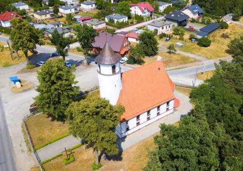 Kościół w Grabowcu po malowaniu elewacji - 01.07.2021