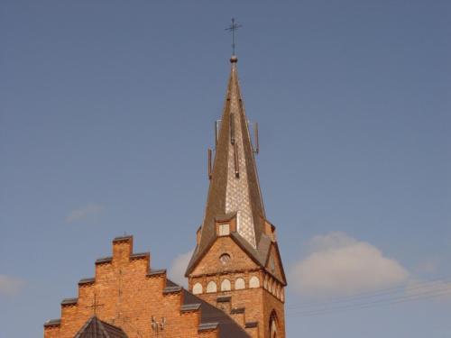 Wieża kościoła w Złotorii dwa lata po remoncie - 31.08.2014
